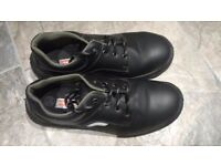 Mens, size 9 black steel toe capped boots, only worn once