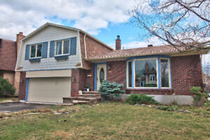 Nice Big and Bright Detached home,  Roof  2016, Double garage ..