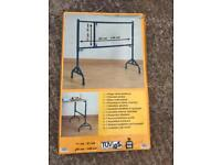 Foldable axle stand