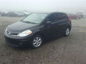 2011 Nissan Versa 1.8 SL - MOONROOF - HANDSFREE BLUETOOTH