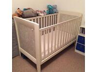 Mamas & Papas Fresco cot/cotbed - mattress included