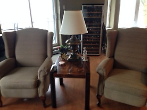 Two inclining armchairs / Deux fauteuils inclinable  (JAYMAR tm)