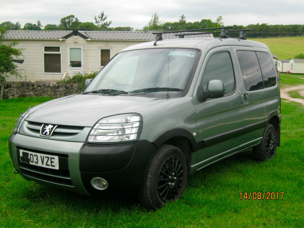 peugeot partner combi escapade 2 0 hdi diesel 5door 03 reg service history in bakewell. Black Bedroom Furniture Sets. Home Design Ideas