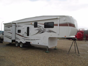31' Pinnacle 5th Wheel Trailer