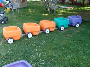 STEP 2 CHOO CHOO WAGON + 3 ADDITIONAL TRAILERS