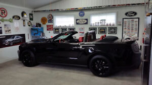 2012 Ford Mustang GT Premium convertible, V8, manuelle, 1 taxe