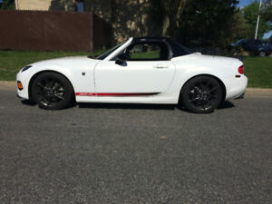 2013 Mazda MX-5 Miata Toit Dur /Hard top 6 speed Automatique