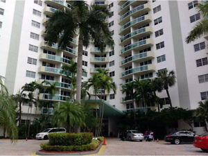 Condo for Rent on Hollywood Beach - The Residences - Direct