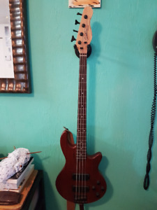 Godin freeway active 4