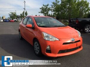 2013 Toyota Prius c **HYBRIDE, SIEGES CHAUFFANT, A/C + WOW!!