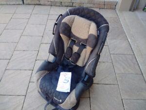 Alpha Omega 3-in-1 car seat