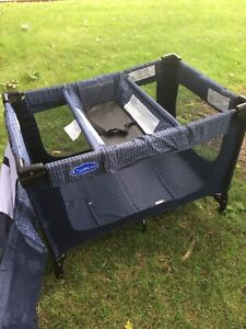 Costco baby crib like new