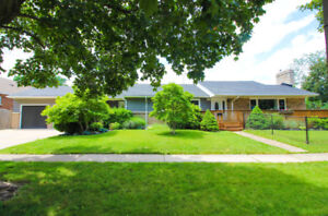 OPEN HOUSE FROM 2-4 TODAY! 440 Carlton St. Catharines 4+BEDROOMS