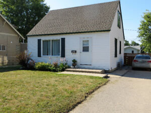 Three bedroom, move in ready home in Portage la Prairie