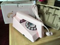 Wild and Wolf pink trimPhone