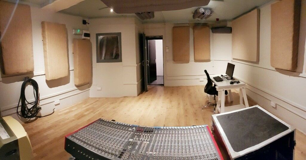 Spacious production room, 2mn from Dalston Kingsland station