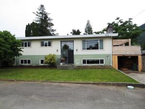 Yarrow FAMILY HOME-LARGE LOT-HUGE DECK-close to school