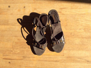 Womens dressy sandals 3 pair Size 8.5-9.5