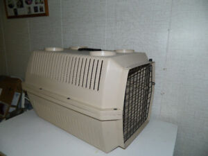 Small Dog cage / cage pour petit chien