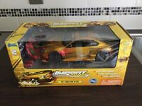 Dicast car sealed box as new never played with ideal present. 1:18 scale midel