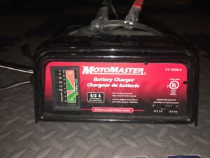 Motomaster battery charger, 6/2 A
