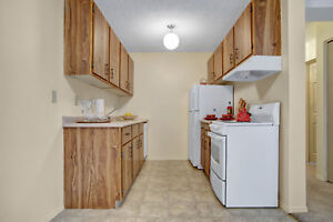 Spacious 2 bedroom !Close to the Hospital 306-314-5853