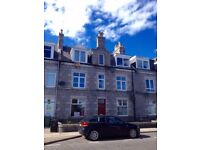LOVELY & BRIGHT Well proportioned One bedroom Flat for sale