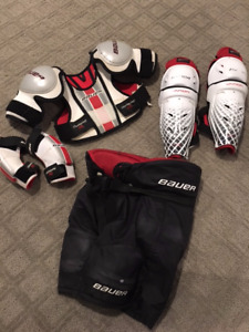 Bauer Youth Large Hockey Equipment