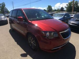 2015 Chrysler Town & Country / S / DVD / BU CAM / LEATHER / GPS