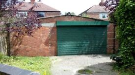 Large triple garage/ Workshop/unit available with services double