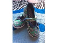 Floral Mary Jane style Pumps, infant size 9