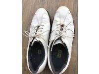 White golf shoes size 10.5, European 45