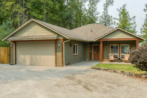 7455 Dixon Dam Road, Vernon - Stunning executive rancher!