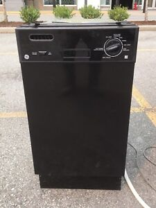 Apartment sized DISHWASHER built in