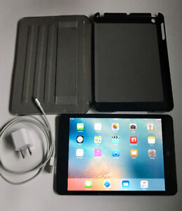 iPad Mini (Cellular) in Mint Condition w/Charger + Case