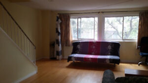 Townhouse for rent- Don Mills and Steeles $2000,will pay agent