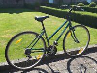 Ladies Bike, Trek Multi Trek 700 sport. 21 gears very good condition