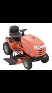 Simplicity Lawn Tractor.   Very low hours