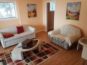 BRIGHT AND BEAUTIFUL FULLY FURNISHED ONE BEDROOM AND DEN SUITE