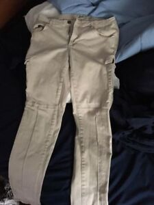 Women's Slim/Skinny Fit Roots Cargo Pants SIZE 6.