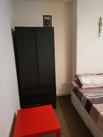 Double Room Available For Sharing