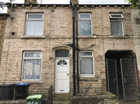 LOVELY 2 BED House To Let In Bradford 5, West Bowling Area. FURNISHED & READY TO MOVE IN