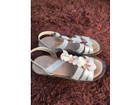Ladies sandals size 6 excellent condition