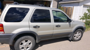 2003 Ford Escape XLT.