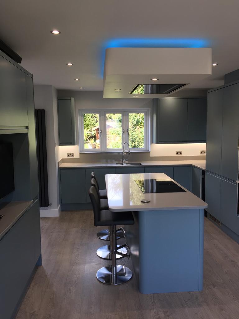 Stunning 30mm Solid Quartz Kitchen Worktops Inc Upstands Splashbacks Etc Cost 5k Bargain