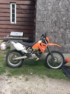 2001 KTM 400 great bike!