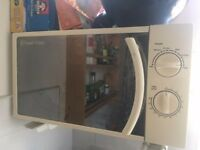 Russel Hobbs working microwave free to a good home