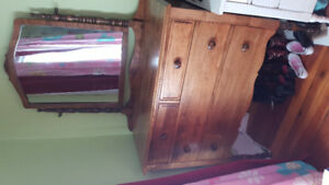 Beautiful Teaton Co. Ltd. Canada Antique Dresser