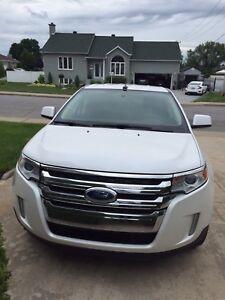 Véhicule à vendre (Ford Edge 2011)