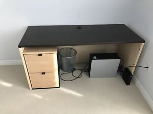 Solid DESK, high end quality AND with under desk file cabinet